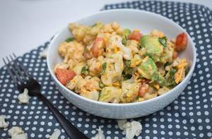 Cauliflower Salad wiht Avocado and Tomatoe
