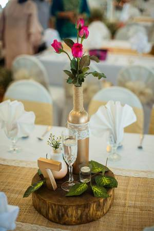 Center piece at a wedding table  Flip 2019
