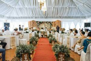 Center shot of a wedding at Zaycoland Resort, Kabankalan City  Flip 2019