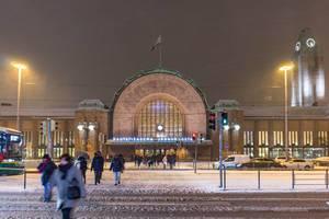 Central station in Helsinki / Hauptbahnhof in Helsinki