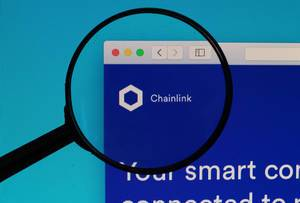 Chainlink logo under magnifying glass