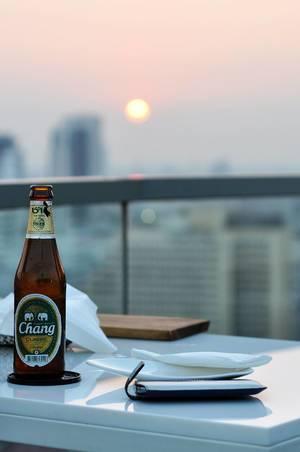Chang Bier auf Sky Bar Bangkok