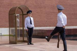 Changing of the guard at the Eternal Flame in Moscow Kremlin