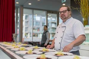 Chefkoch Darrick Carter im Chino Latino Restaurant