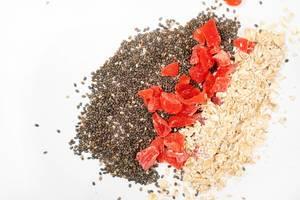 Chia-Seeds,-Dried-Papaya-and-Oatmeal.jpg