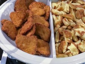 Chicken-Nuggets und Kaiserschmarren