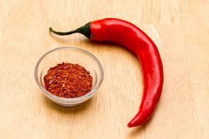 Chilischote und Chilipulver
