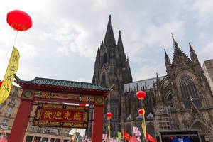 Chinafest and Cologne Cathedral in the background