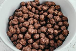 Chocolate breakfast cereal