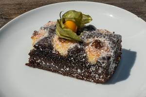 Chocolate-coconut delight with physalis