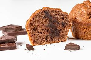 Chocolate muffin halves with chocolate (Flip 2019)