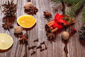 Christmas Spices - Cinnamon, Nutmeg, Star Anis, Cloves and Orange