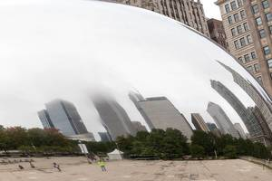 City reflection in the Chicago bean Cloud Gate