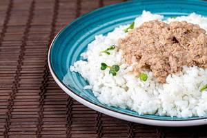 Close up of boiled rice with tuna (Flip 2019)