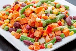 Close - up of frozen vegetable mix (Flip 2019)