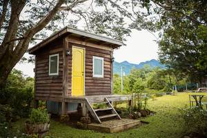 Close up shot of a small cabin in Salvador Benedicto