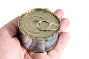 Closed-Canned-Fish-in-the-hand.jpg