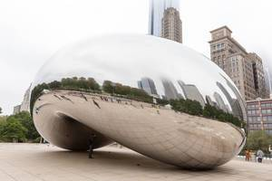 Cloud Gate sculpture in Chicago