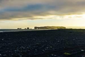 Coast view with rock formation in the ocean / Küste Blick mit Felsformation im Ozean