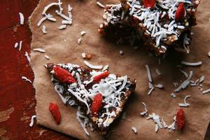 Coconut and Goji Berry Energy Bars