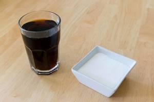Cola und Zucker