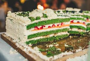 Colorful Spinach Cake With Cream (Flip 2019)