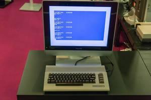 Commodore 64 angeschlossen an ein Flachbildschirm zeigt Error Fehlermeldung