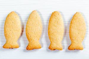Cookies in the form of fish. Top view (Flip 2019)