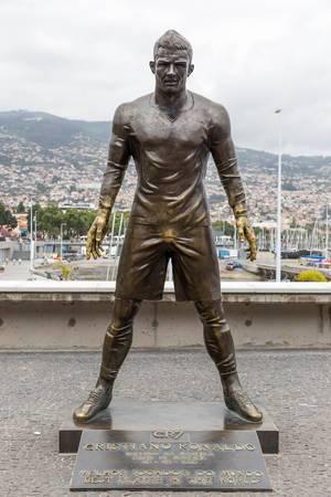CR7 Museum: Statue von Christiano Ronaldo