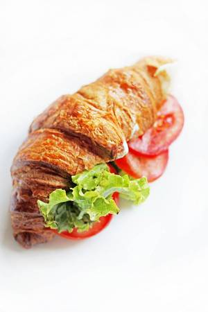 Croissant mit Salat