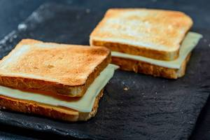 Crunchy toast with cheese. Quick breakfast