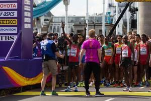 Daniel Kinyua Wanjiru, Geoffrey Kipkorir Kirui und weitere Läufer (Marathon Finale) bei den  IAAF Leichtathletik-Weltmeisterschaften 2017 in London