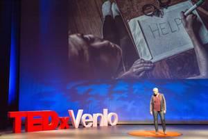 Danielle van Went spricht über die dunkle Welt des Menschenhandels beim TEDxVenlo Event 2018