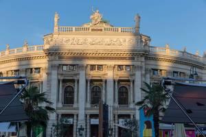 Das Burgtheater in Wien bei Sonnenuntergang
