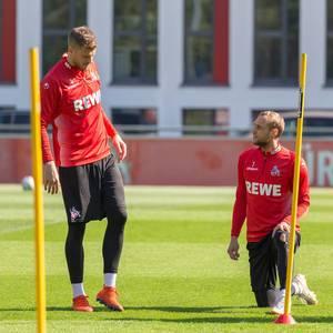 Das erste 1. FC Köln Fußballtraining mit dem neuen Trainer André Pawlak, zeigt die Spieler Simon Terodde und Marcel Risse