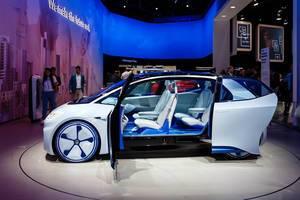 Das Interieur des neuen VW I.D. Elektroauto bei der IAA 2017 in Frankfurt am Main