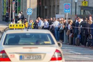 Das lange Warten auf einen Taxi