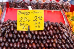 Datteln aus Israel im Supermarkt