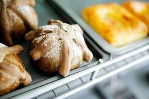 Dead bread in a bakery