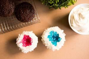 Decorating chocolate cupcakes