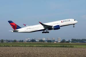 Delta Airlines startet vom Amsterdam Schiphol Fulghafen