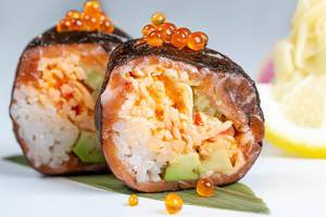 Deluxe roll with snow crab and salmon