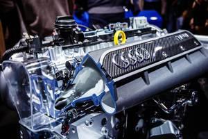 Der Audi Motor des Modells Sport Performance Parts