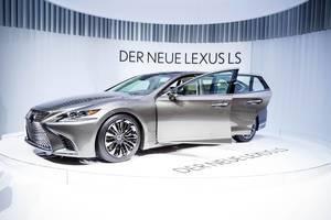 Der neue Lexus LS 500 bei der IAA 2017 in Frankfurt am Main