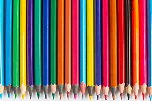 Detailed view of colored pencils in a row (Flip 2019)