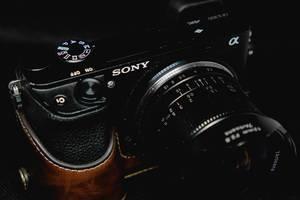 Details einer Sony-Kamera in der Nahaufnahme