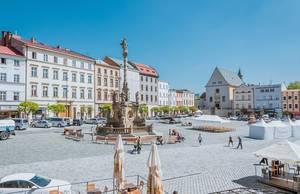 """Die historische Sehenswürdigkeit """"Mariensäule auf dem kleinen Hauptplatz in Olmütz, Tschechien"""