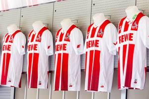 Die neuen 1. FC Köln Trikots für die Saison 2017/2018