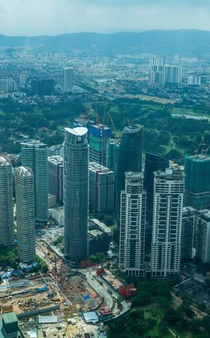 Die Sicht auf Kuala Lumpur von den Petronas Türmen aus