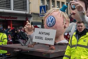 Dieselskandal-Wagen - Achtung Diesel Sumpf - Kölner Karneval 2018